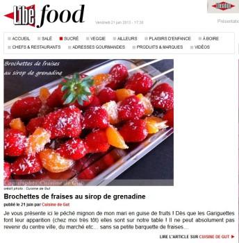 Brochettes de fraises au sirop de granadine