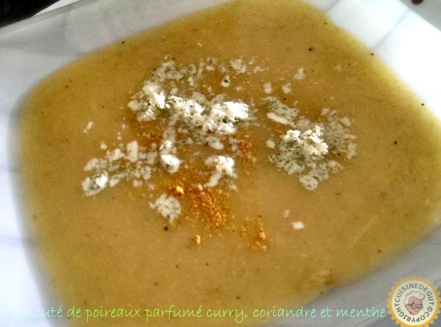 Velouté de poireaux et sa crème d'herbes1