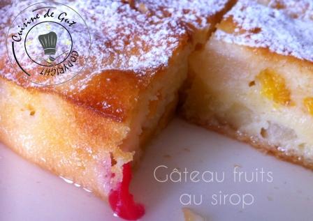gäteau fruits au sirop entier coupé