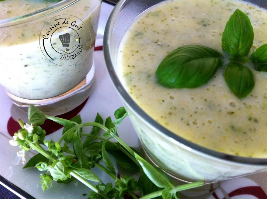 Soupe froide de courgettes et chavroux2