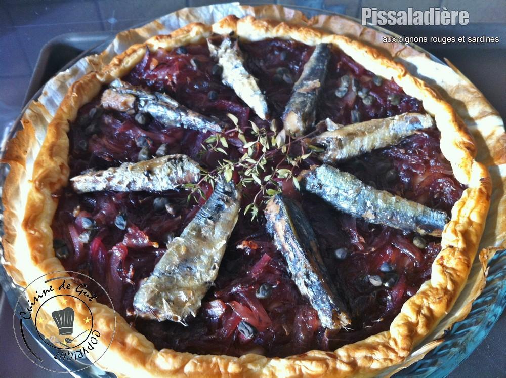 Pissaladière auxoignons rouges et sardines
