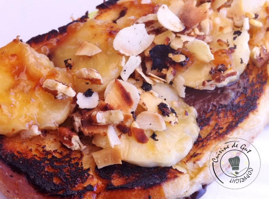 Brioche bananes et chocolat fondu sur plancha