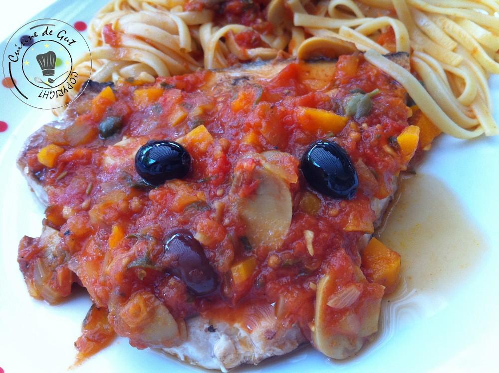 Espadon grillé à la plancha sauce tomates olives et câpres 1