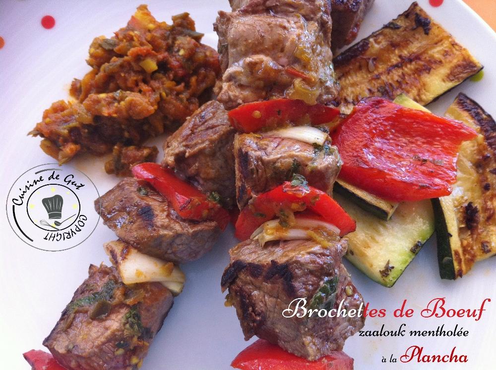 Brochettes de boeuf et Zaalouk mentholée à la plancha assiette