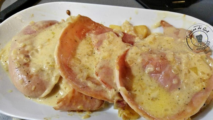Jambon aux pommes sauce au cidre