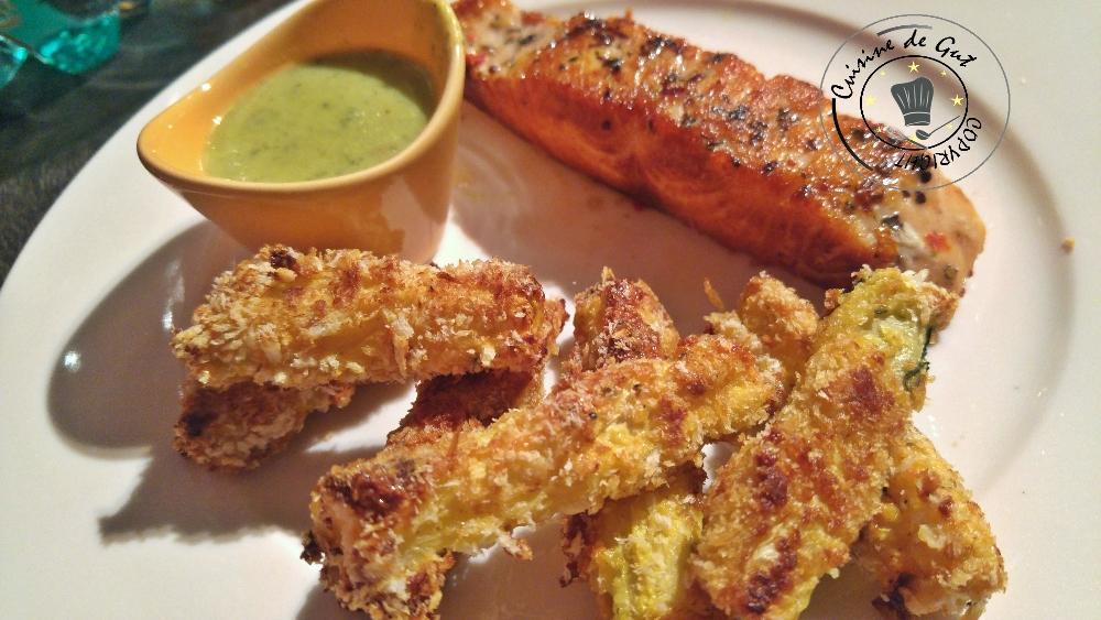 Bâtons de courgettes et saumon, sauce ail et fines herbes au curry1