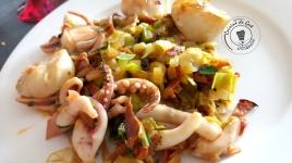 30 Plancha de fruits de mer aux poireaux et chorizo