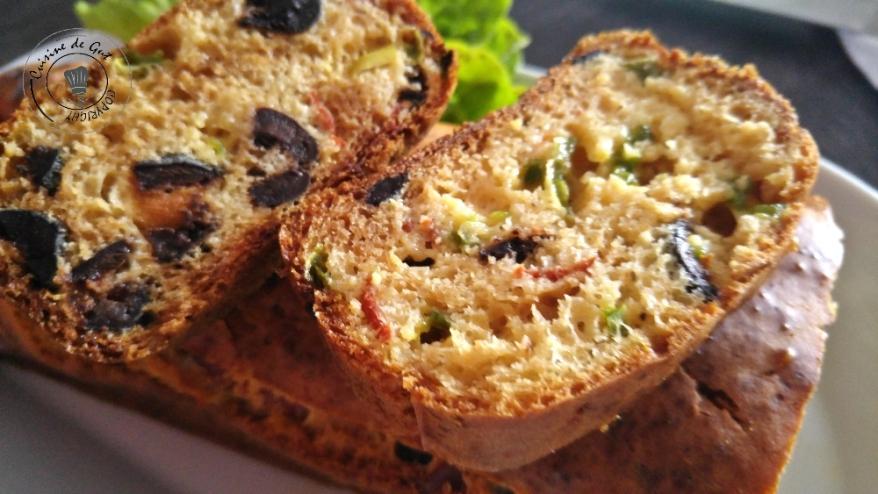 Cake chorizo poivrons et olives