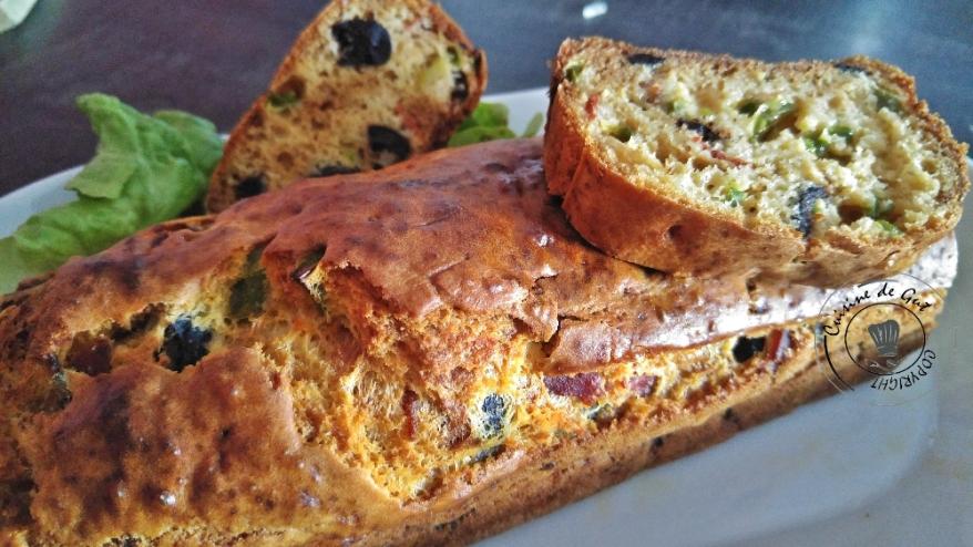 Cake chorizo poivrons et olives2