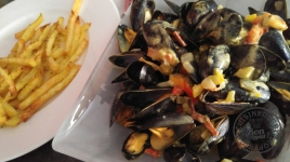 Moule au lait de coco et curry intense1