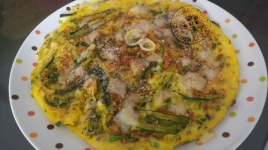 Omelettes aux courgettes, parmesan et sumac