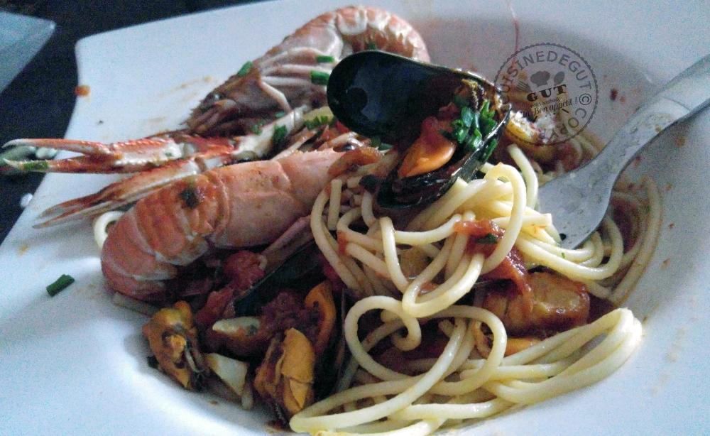 spaghettis aux fruits de mer et safran cuisine de gut. Black Bedroom Furniture Sets. Home Design Ideas