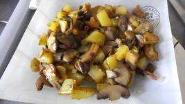 poelee-de-pommes-de-terre-champignons-et-chataignes