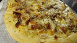 pizza-tomates-seches-aux-3-fromages