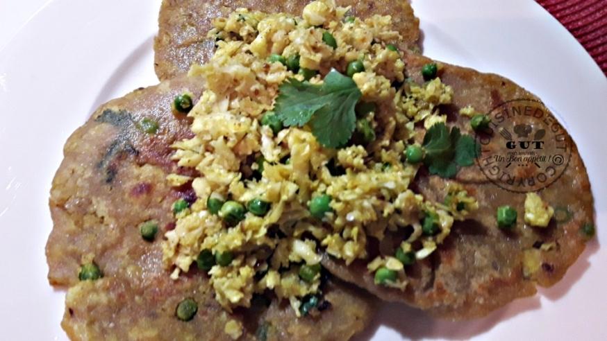 gobhi-parantha-sauce-curry-et-coriandre