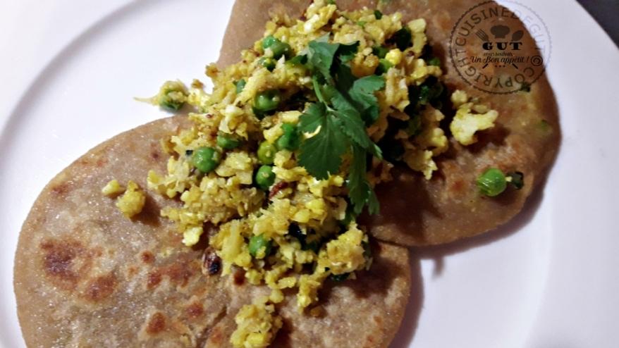 gobhi-parantha-sauce-curry-et-coriandre1