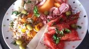 Assiette complète au jambon au piment d'Espelette