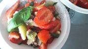 Salade de fraises kiwis tomates chèvre et 1