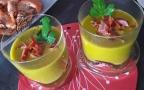 Soupe glacée parfumée aux pois gourmands carottes et navet