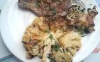 Steacks de chou fleurs et côte de porc aux épices à la plancha