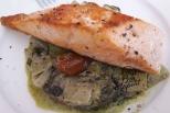 Saumon grillé et blettes au pesto de basilic