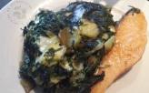 Raclette d'épinards, pommes de terre et saumon grillé