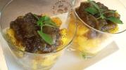 Verrines de mangue et rhubarbe au rhum arrangé et graines de pavot