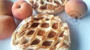 Tartelettes abricot caramel sur lit coco