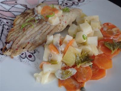 Filet d'aile de raie carottes poireaux et céleri au four1