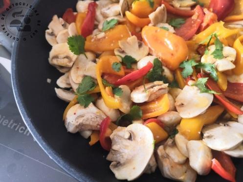 Poêlée de champignons et poivron légèrement acide et cabillaud (2)