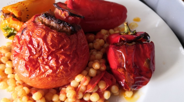 Mini poivrons et petites tomates farcies merguez saucisse aux herbes à la menthe