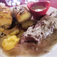 Onglet de Veau Sauce Archiduc et pommes de terre suédoises