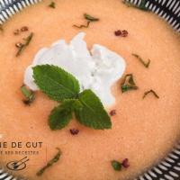Gaspacho de melon anisé et crème glacée au chèvre parfumée poivre Timut et menthe
