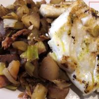 Cabillaud et poêlée de pâtisson poireaux au beurre d'escargot